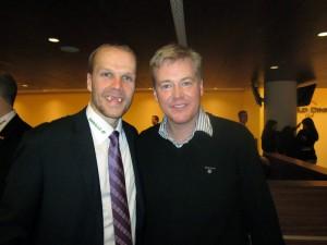 Dr. Michael Claar mit Eishockeyprofi Stefan Ustorf von den Eisbären Berlin.